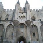 Fachada del Palacio de los Papas.