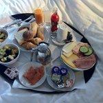 Petit déjeuner continental en chambre