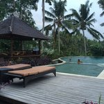 La piscine près du restaurant