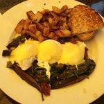 Portabello Mushroom Eggs Benedict for Brunch - Yum!