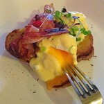 Eggs Benedict with crispy bacon & Hollandaise sauce. Simple and delicious.