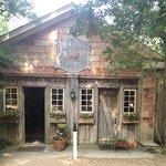 Coach House Tavern at Berkeley Plantation
