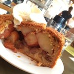 Maybe I was unlucky with a smaller slice but nevertheless it was amazing apple pie, best I've ha