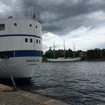 в Стокгольме надо гулять по набережным!