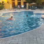 Holiday inn express pool 06 julio 2014