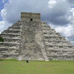 Unrepaired side of El Castillo