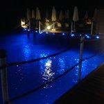 Пирс-бар ночью