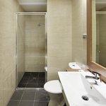 Premium Deluxe Room Ensuite Bathroom