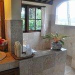 Hanoman bathroom