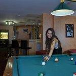 Bar mit Billardtisch