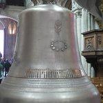 La cloche avant sa bénédiction