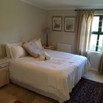 Oak leaf main bedroom