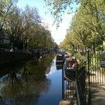 лодки вдоль канала