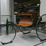 非常原始的汽車