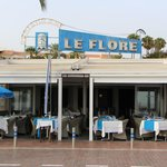 Ресторан Le Flore - вид с набережной