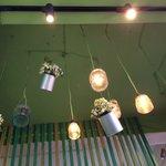 Hiasan simpel tp elegan di langit langit Mexican Eat Bali