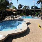 piscina idromassaggio e normale