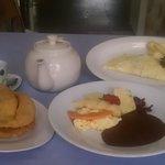 Filling & Great breakfast...fluffy Fry Jacks, beans, omelette...yummmmyyyy!!!