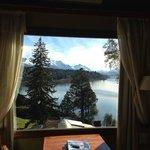 La hermosa vista del lago desde nuestra habitación (suite 501)