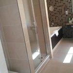 Nice Big Bright Bathroom - Separate Shower and Bath