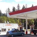 Wolf Creek 76 Grill, Deli & Fuel
