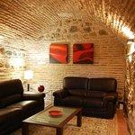 Salón, Cuevas medievales/ Lounge, Medieval caves