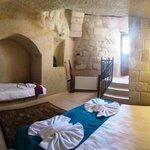 Tavla Cave Room