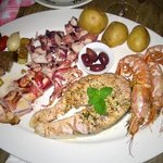 Grilled seafood platter - delicious !