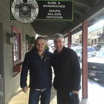 Taylor Hicks stopping in
