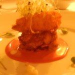 Camarão com couli de framboesa e vinagrete de chocolate branco