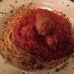 whole wheat spaghetti with meatballs