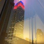 Empire State Building visto pela janela do meu quarto
