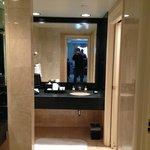 bathroom/dressing area