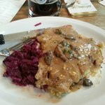 Jägerschnitzel with mushroom gravy, spätzle and red cabbage