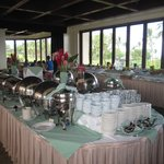 Molokini - hot food buffet lines