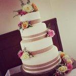 Our beautiful rustic wedding cake x