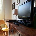 Tv a schermo piatto e DVD