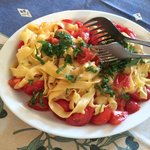 A great pasta with tomatoes and herbs!