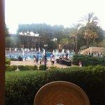 Desde la terraza del comedor, vista de un trozo de piscina