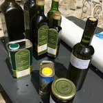Olio extravergine di oliva, miele e marmellate - Extravergin olive oil, honey, jam