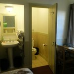 Room with Sink and WC, but no Shower