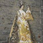Statue madonna and child