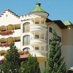 Hotel Sieghard Fassade im Sommer