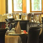 Непревзойденная сервировка столов в ресторане