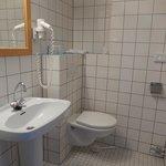 hotel rho - stanza nr 306 - bagno