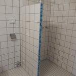 hotel rho - stanza nr 306 - doccia