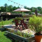 le jardin de l'hotel restaurant la Barguillere