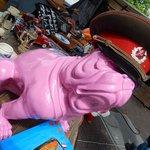 waterlooplein market - mastino in ceramica con berretto sovietico