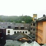 Vue de notre chambre sur les toitures