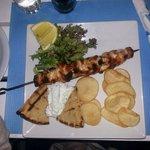 Spiedone di pollo con Pita e patate
